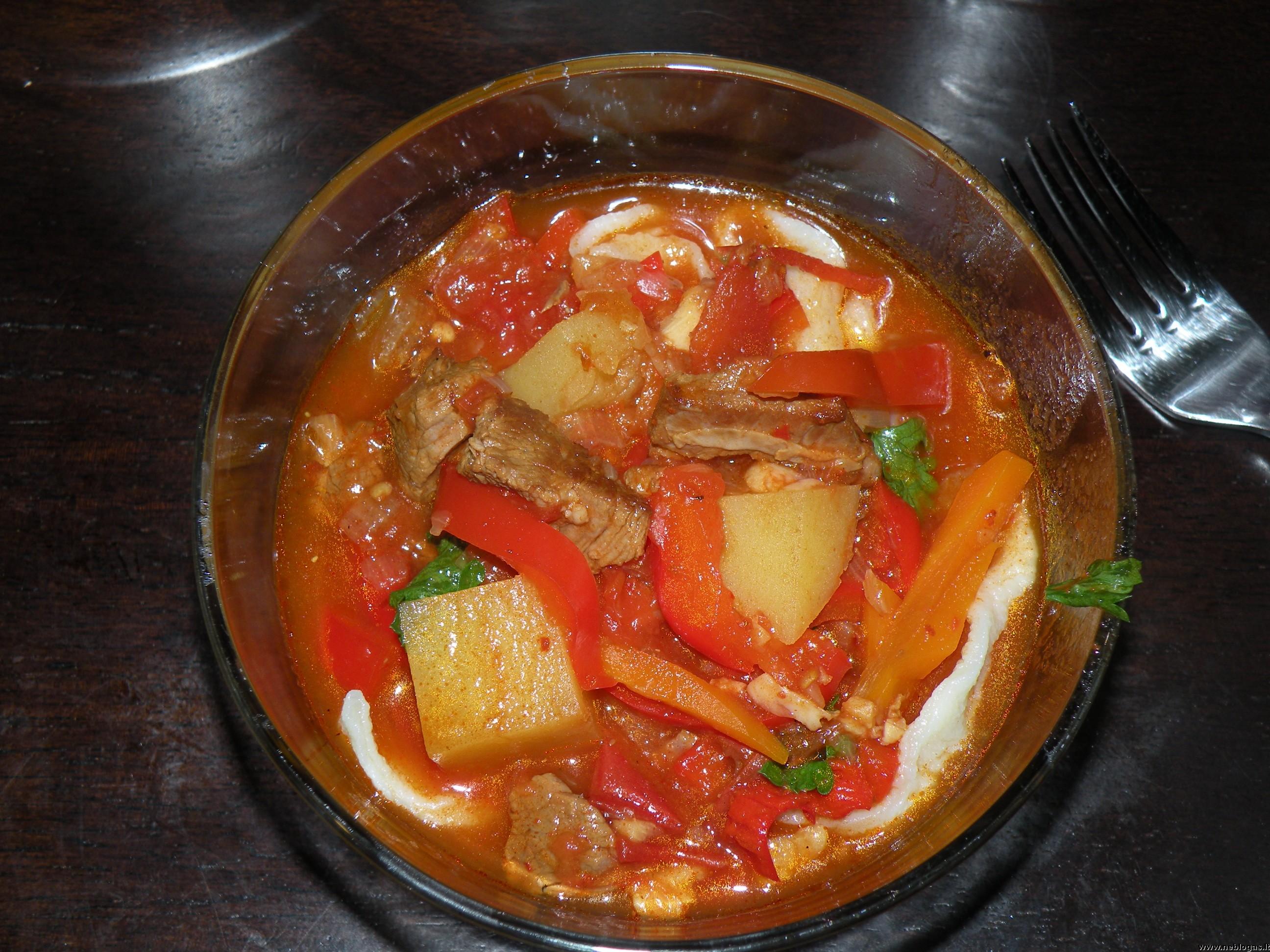 Uzbekiška avienos sriuba – lagman (лагман)