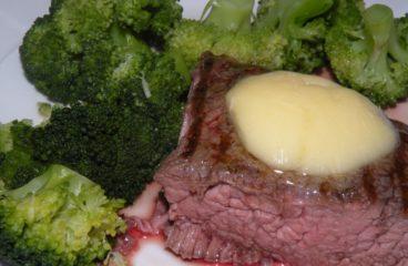 T-bone steikai, arba šmotelis mėsos