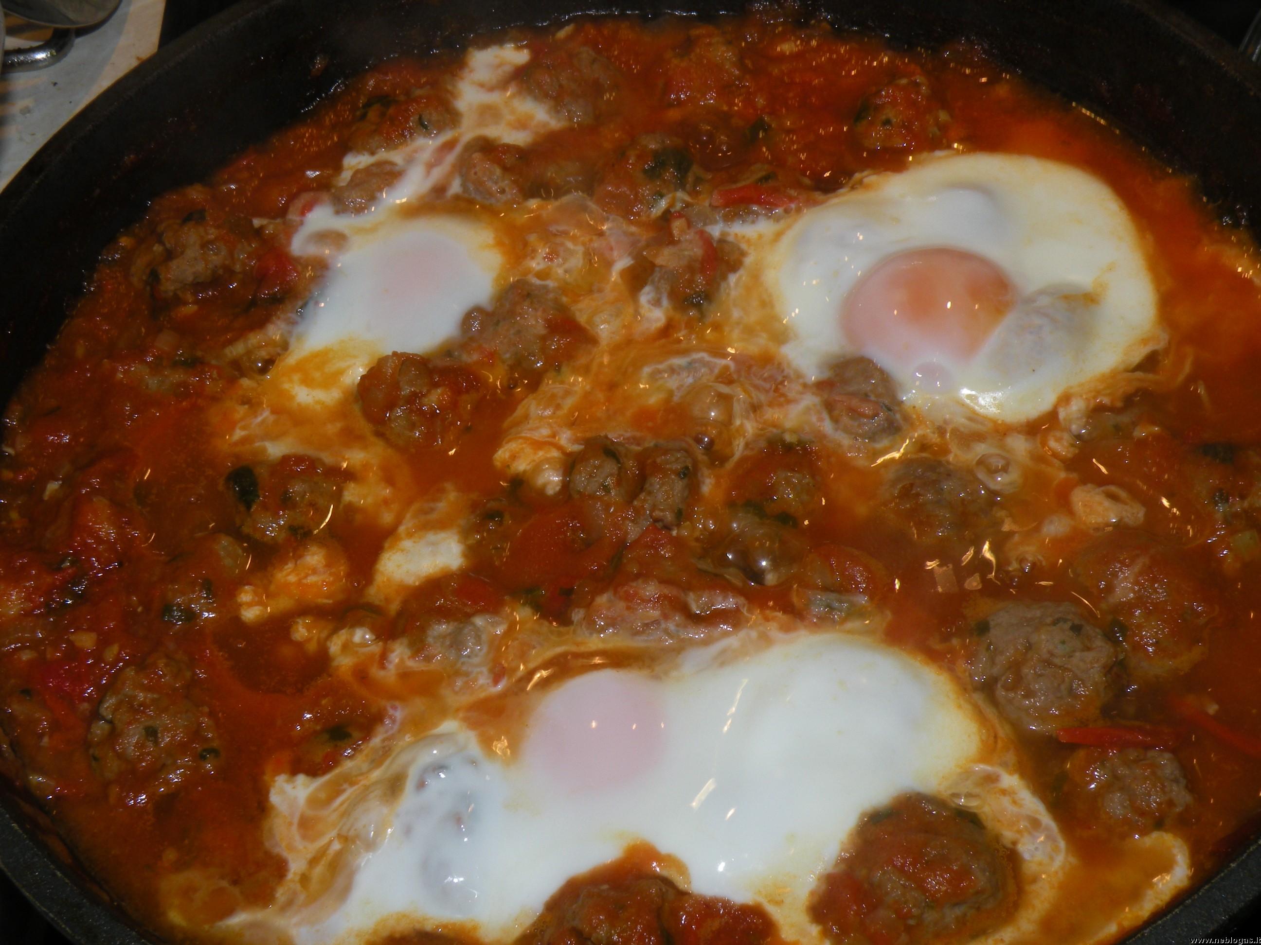 Marokietiškas mėsos kukulių troškinys (Kefta tagine)